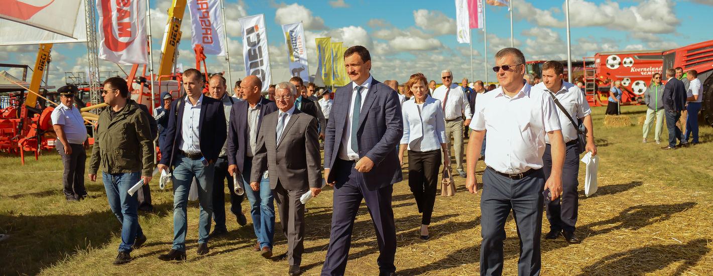 Демонстрационный показ сельскохозяйственной техники в полевых условиях День поля «ВолгоградАГРО»